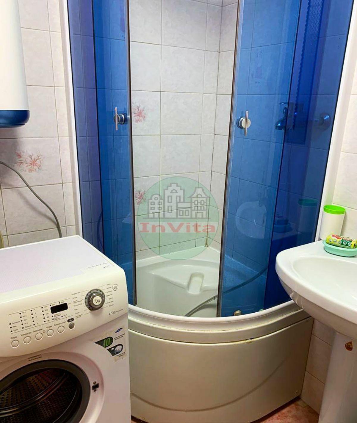 Продажа 4-комнатной квартиры, Севастополь, Октябрьской революции пр-кт,  26